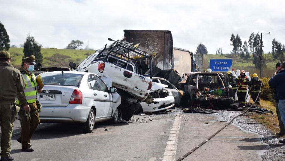 Confirman identidad de fallecidos en accidente en Victoria: Son dos carabineros en retiro