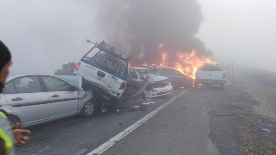 Colisión múltiple en Ruta 5: Dos fallecidos y una persona en riesgo vital