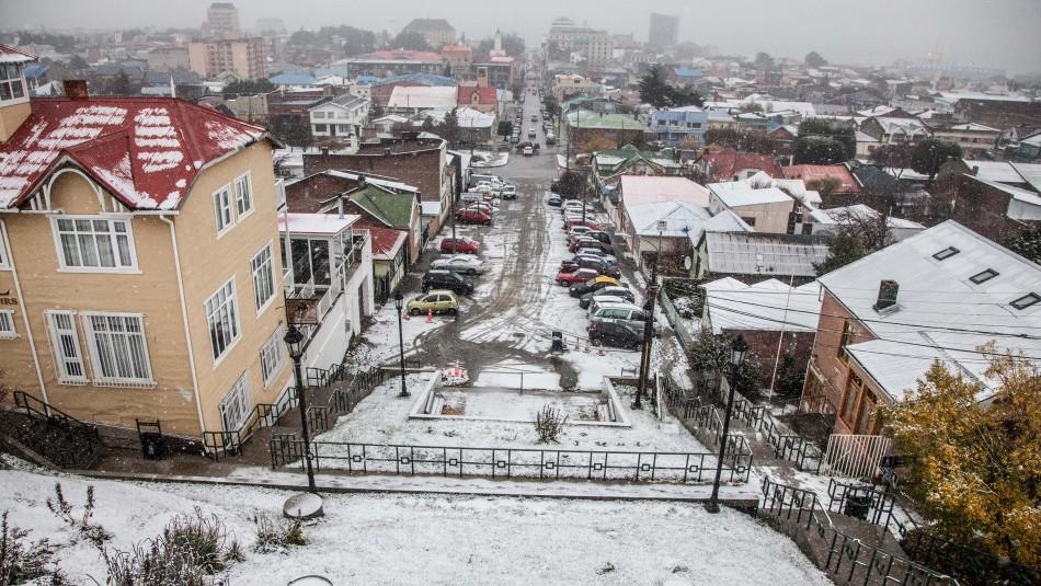 Edil de Punta Arenas y uso de mascarillas dentro de casas: