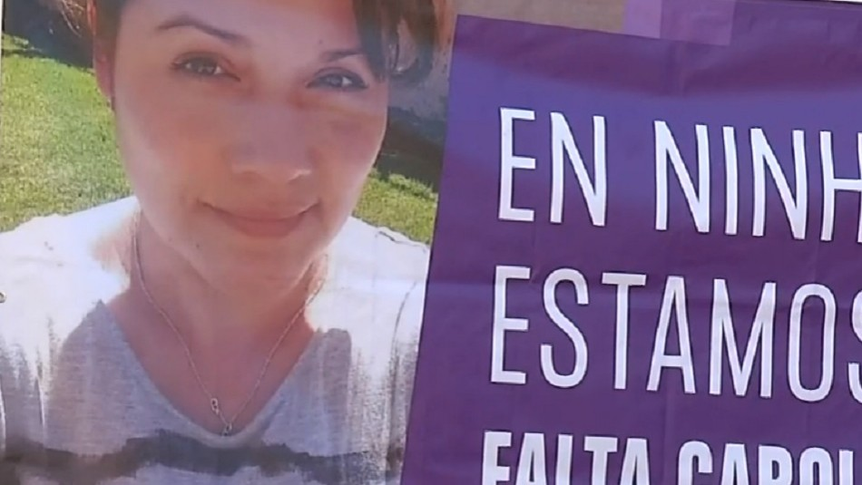 Familia y amigos rinden homenaje a Carolina Fuentes en río donde fue hallado su cuerpo