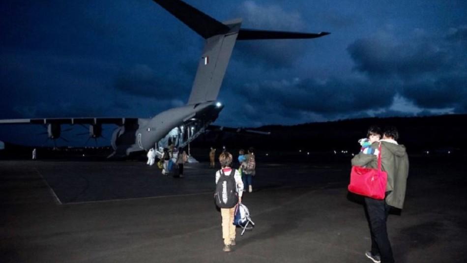 Fuerza Aérea Francesa repatrió a Rapa Nui a ciudadanos chilenos que estaban varados en Tahití