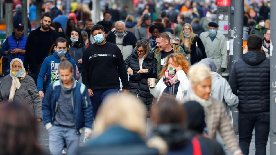 OMS rechaza opción de dejar circular libremente al coronavirus para lograr inmunidad colectiva