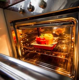 Que vuelva a estar reluciente: Consejos para limpiar un horno eléctrico de manera fácil y rápida