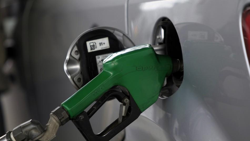 Precio de la bencina registrará un aumento a partir de este jueves
