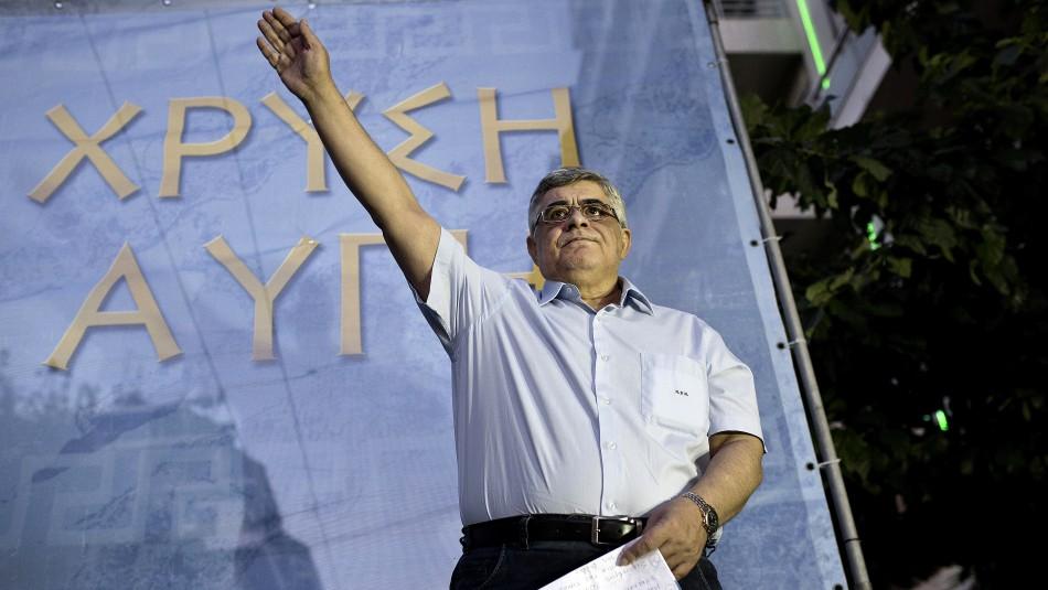 13 años de cárcel para líder de partido neonazi de Grecia por dirigir