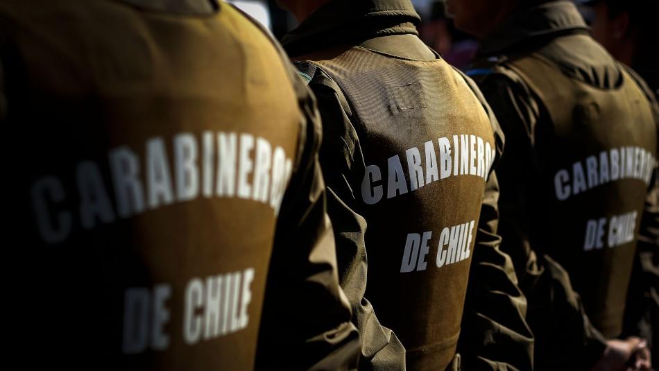 Tres carabineros resultan con lesiones tras manifestaciones en Puente Alto