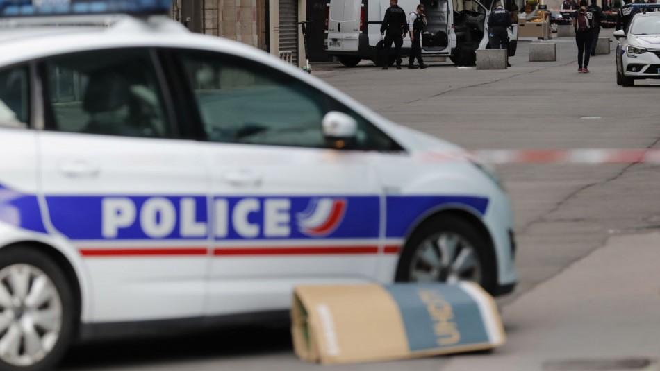 Hombre es decapitado en Francia.