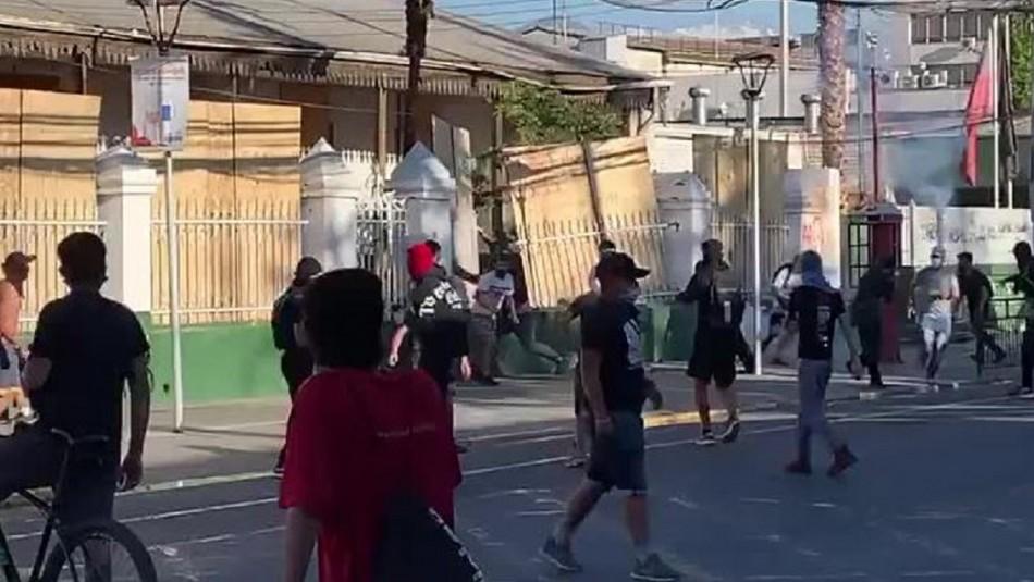 Atacan comisaría de Puente Alto con bombas molotov