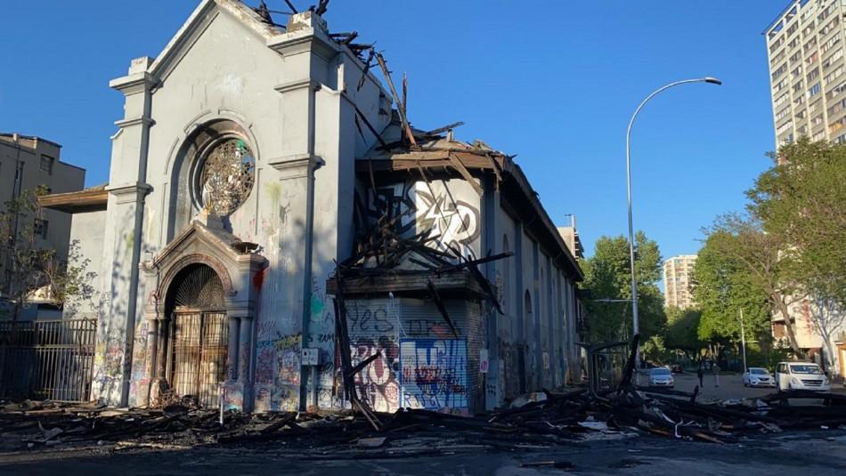 Así amanecieron las iglesias de La Asunción y de Carabineros tras ser incendiadas