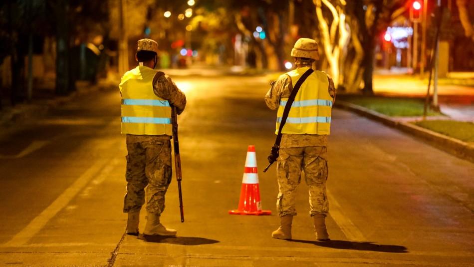 Gobierno evalúa retrasar el toque de queda para la noche del Plebiscito