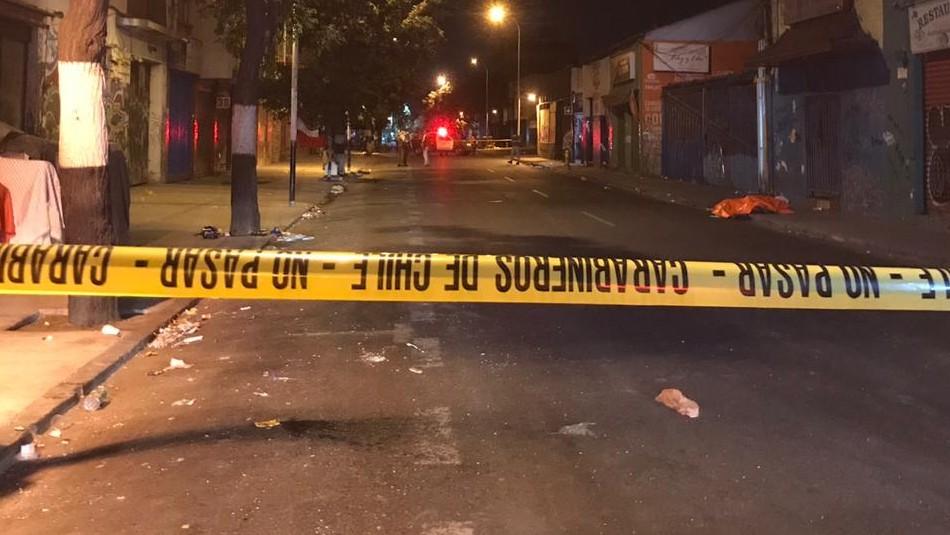 Investigan homicidio tras encontrar a hombre con heridas cortopunzantes en Santiago