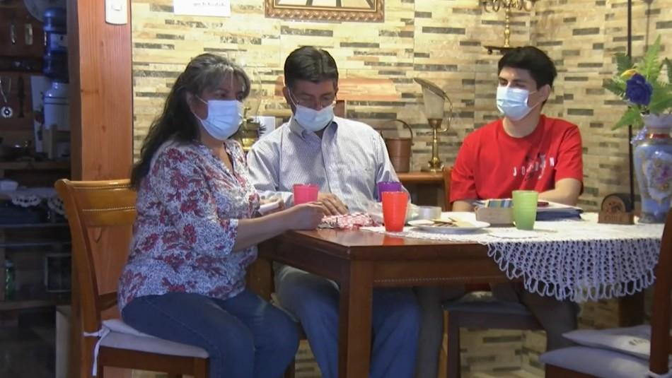 Familia gastó dinero de costoso tratamiento de su hijo para paliar crisis económica