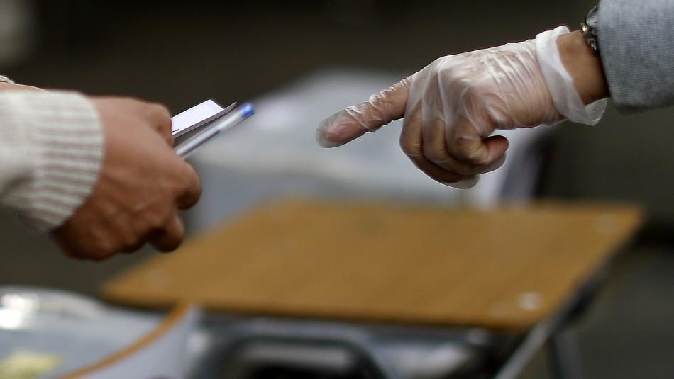 Detienen a contagiado con coronavirus tras llegar a votar en Antofagasta