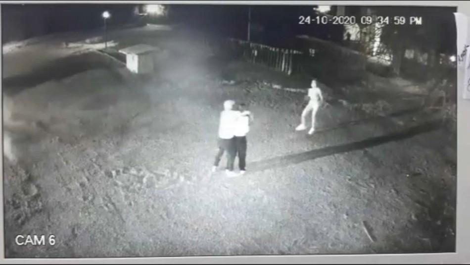 Video muestra violento robo de auto a hija de Daniella Chávez