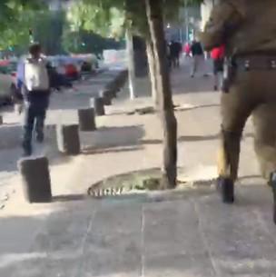 Lanzazo cerca de La Moneda: Video muestra a carabineros persiguiendo a supuesto delincuente