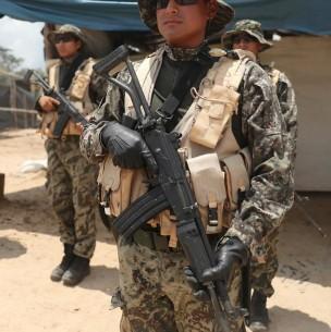Dos militares mueren durante enfrentamiento con presuntos terroristas en Perú