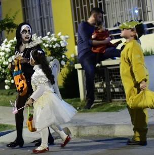 Minsal hace recomendaciones por celebración de Halloween: Mucho cuidado con las máscaras