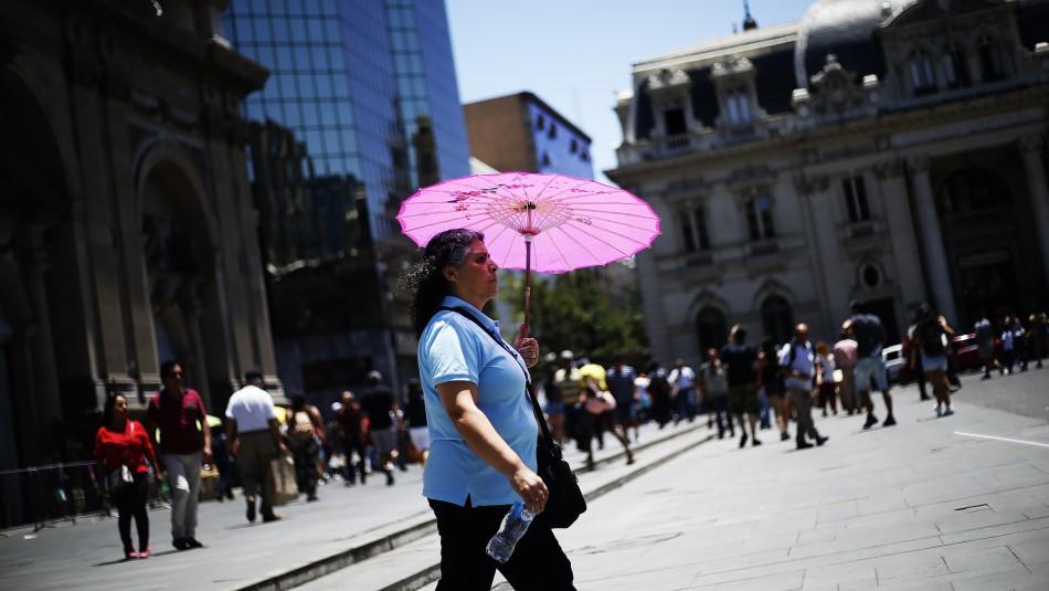 Hasta 32 grados: Emiten aviso por evento de altas temperaturas en la zona central del país