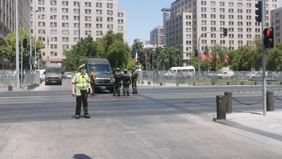 Gope realiza procedimiento frente a La Moneda.
