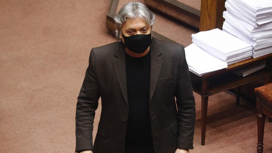 Senador Navarro es sometido a intervención quirúrgica tras complicación cardiovascular