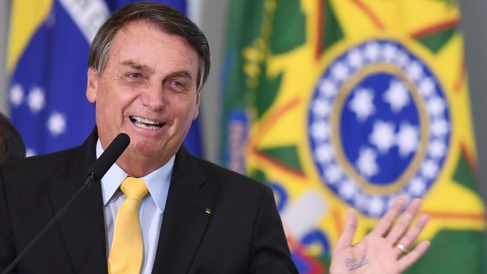 Bolsonaro se declara ganador tras suspensión de ensayos de vacuna china en Brasil