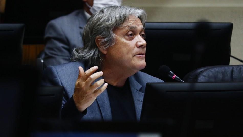 Senador Navarro permanece con pronóstico reservado tras operación de urgencia
