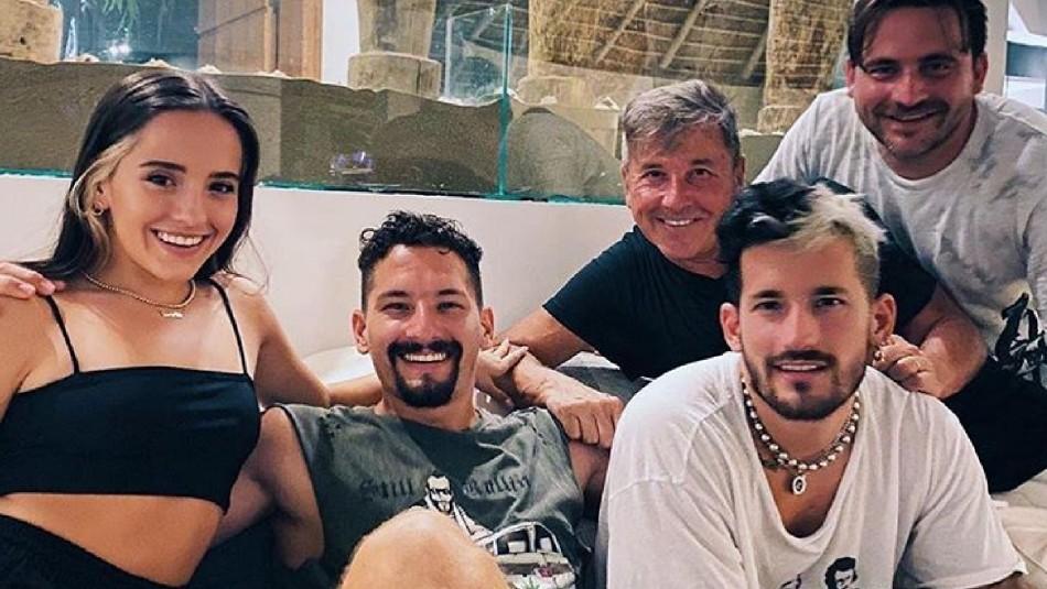 Ricardo Montaner publica foto de su esposa y sus hijos le hacen dedicatorias de amor