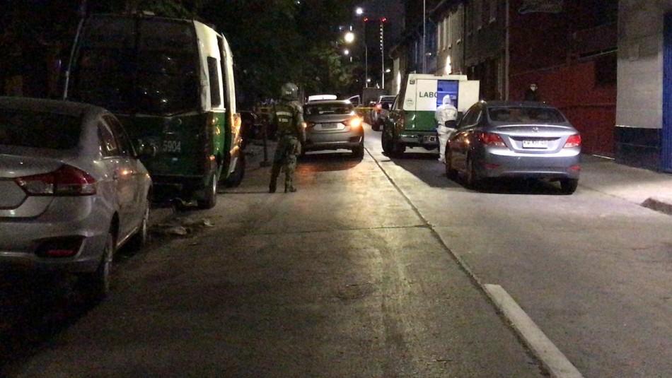 Un carabinero herido tras intercambio de disparos con delincuentes en el centro Santiago