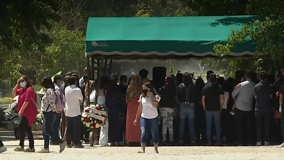Funeral de Julio Videla se desarrolló con masiva asistencia en cementerio Parque del Recuerdo