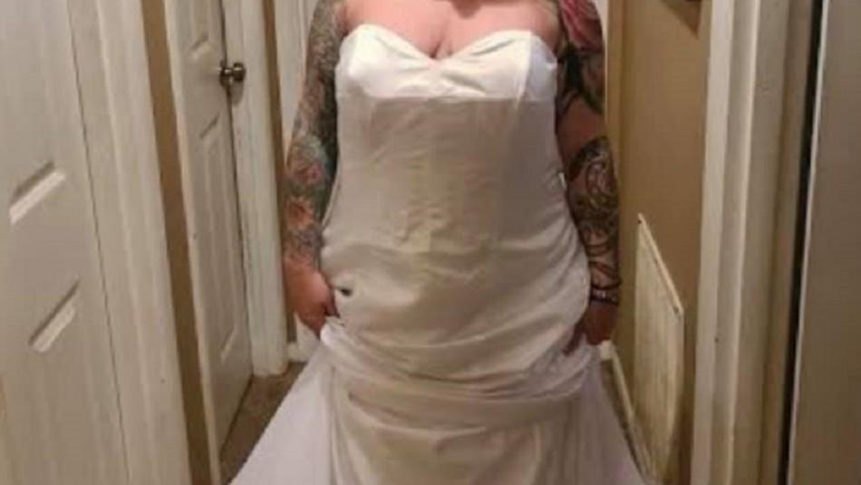 Novia reclama por un vestido feo y esto le responden: Estaba al revés