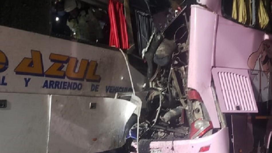 Al menos 20 personas heridas deja colisión por alcance entre cuatro buses en Iquique