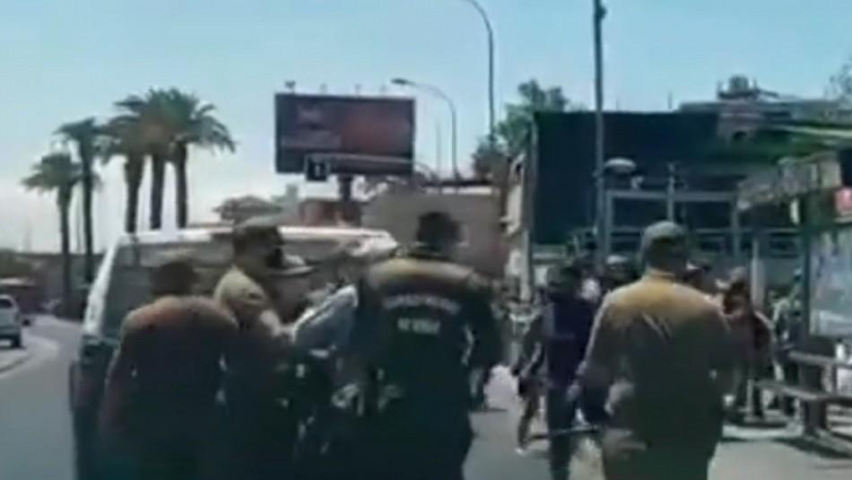 Ambulantes y carabineros protagonizan violento enfrentamiento en persa de Estación Central