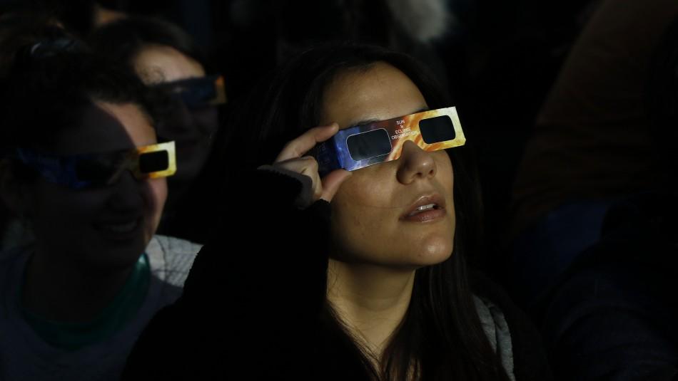 Eclipse solar: ¿Se puede mirar a simple vista este fenómeno natural?