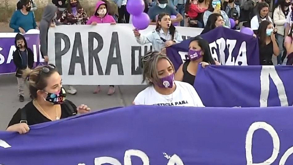 Realizan homenaje a Sandra Pizarro en San Felipe: Exigen justicia por muerte de profesora
