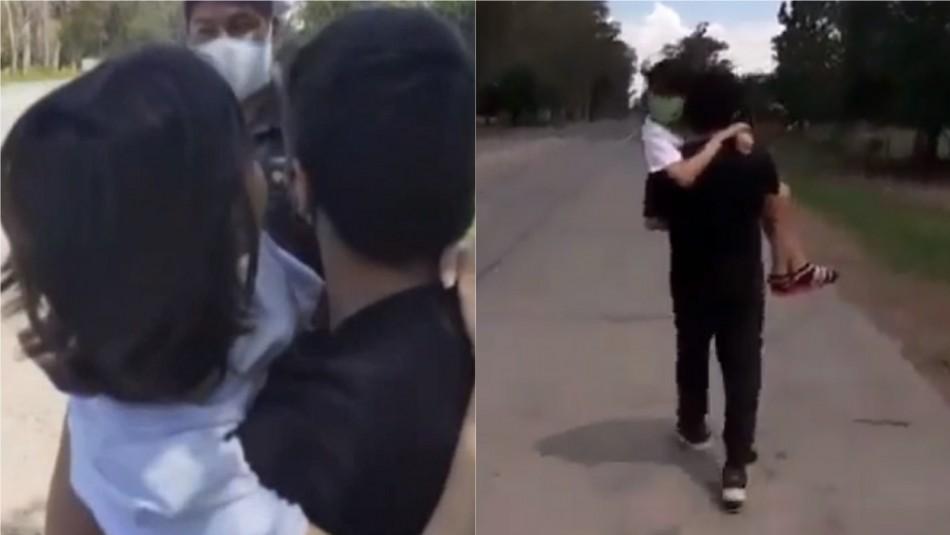 Hombre cargó por 5 kilómetros a su hija con cáncer: Policía les negó la entrada a su provincia