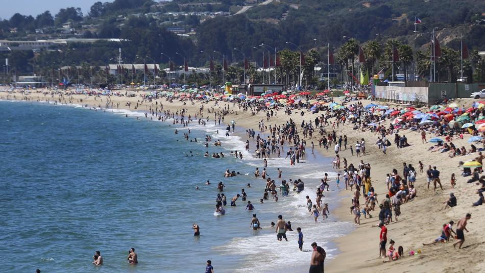 Masiva presencia de visitantes sorprende en playas de la Región de Valparaíso