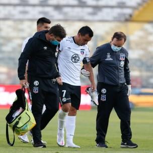 Sensible baja en Colo Colo: Parte médico revela que Esteban Paredes sufre fractura