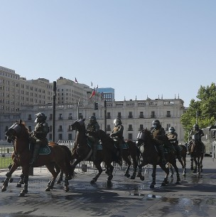 Carabineros asegura que cuenta con la capacidad para proteger La Moneda ante manifestaciones
