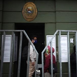 Venezolanos acusan falta de información sobre proceso de obtención de visa VRD