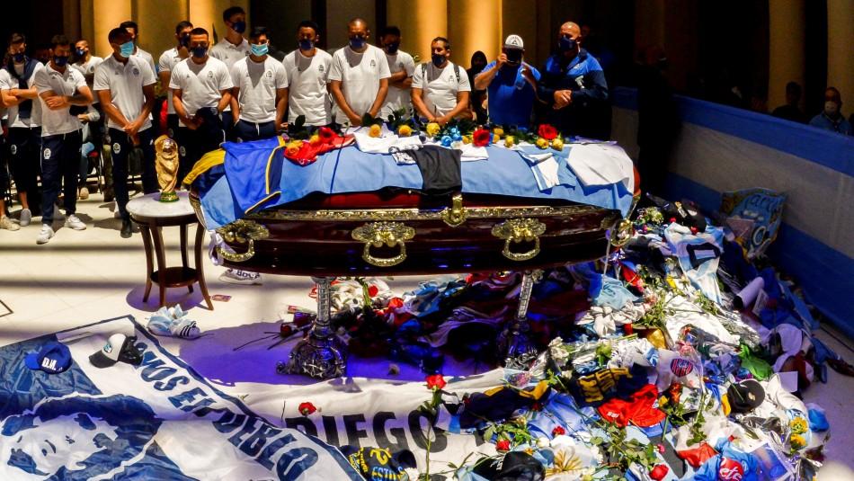 Filtran segunda foto de Maradona en el ataúd: También fue tomada por  empleados de funeraria - Meganoticias