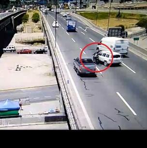 Muerte de motociclista en Vespucio Norte: Experto apunta a falta de berma en el lugar
