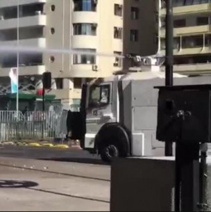 Manifestaciones en cercanías de La Moneda: Desvíos de tránsito y cierre de estación de Metro