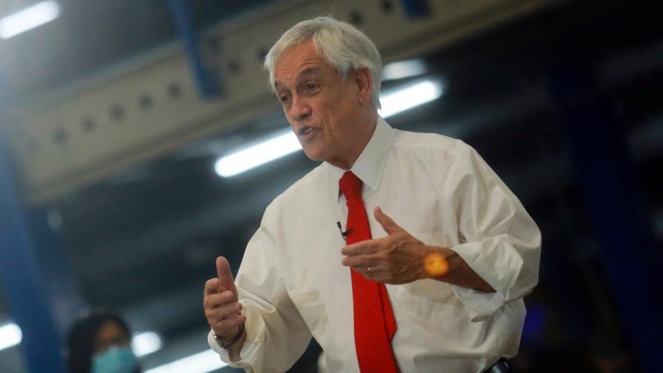 Piñera pide aprobar 10% antes de Navidad y defiende impuesto para sectores medios y altos