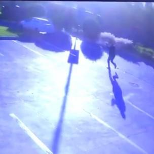 Nuevos videos muestran a escolta de ministro Briones baleando a presuntos ladrones