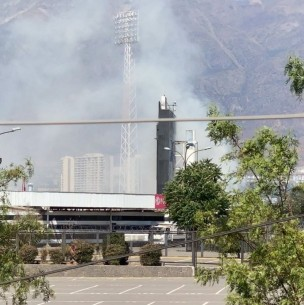 Bomberos controla incendio al interior del Estadio Monumental de Colo Colo