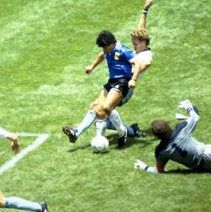 ¿La vende? Esto dijo el dueño de la camiseta con que Maradona le marcó dos goles a Inglaterra