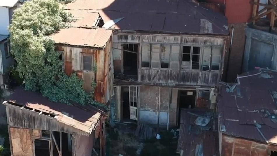 Viviendas al borde del colapso: Vecinos de Valparaíso en riesgo ante peligro de derrumbes