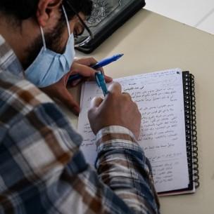 Pandemia deja a estudiantes extranjeros cerca de la pobreza en Francia