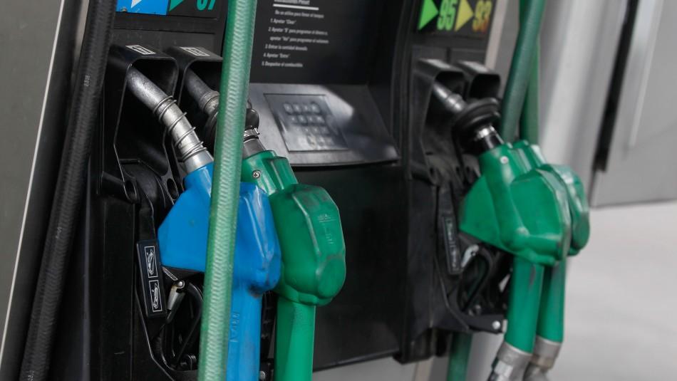 Precio de las bencinas subirá a partir de este jueves