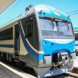 Nuevos y avanzados ferrocarriles conectarán a la Región Metropolitana con el sur del país
